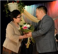Глава Тувы поздравил женщин республики с праздником