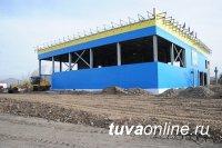 Единороссы ознакомились с ходом строительства спорткомплекса в Чадане (Тува)