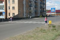 Тува. Правила дорожного движения необходимо соблюдать и водителям, и пешеходам