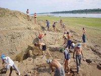 В археологическом лагере «Кызыл-Курагино» пересменок