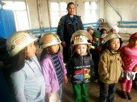 Детей в летних лагерях Тувы знакомят с правилами пожарной безопасности