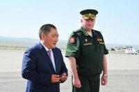 Министр обороны РФ Сергей Шойгу повысил Главу Тувы Шолбана Кара-оола в воинском звании