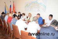 В борьбу с бурьяном в Кызыле включаются федеральные структуры