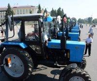 В Туву прибыли тракторы, прицепы, сенокосилки, пресс-подборщики для начинающих фермеров