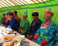 Глава Тувы поручил подготовить нормативный акт о внеочередном приеме граждан преклонного возраста