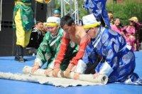 Быстрее и качественнее других изготовила войлок команда Чеди-Хольского кожууна Тувы