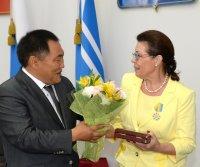 В Туве юбилейные торжества начались с вручения государственных наград