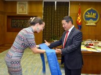 Единственная внучка легендарного Цэдэнбала получила в подарок квартиру в Уланбаатаре