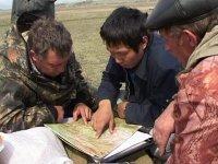 В районы лесных пожаров в Туве переброшены 47 десантников