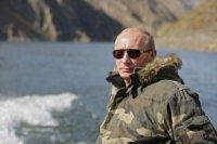 Шолбан Кара-оол от имени жителей многонациональной Тувы поздравил Владимира Путина с Днем рождения