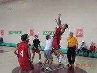 Молодежный баскетбольный чемпионат стартовал в Туве