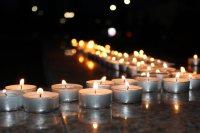 На главной площади Тувы было зажжено 137 свечей в память о погибших в ДТП