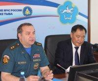 Глава Тувы провел рабочие переговоры в МЧС России