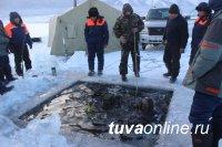 Тувинские водолазы провели тренировочные спуски на озере Чагытай