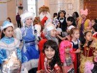 В главной детской новогодней елке примут участие 700 детей из разных районов Тувы