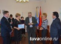 Лучшие благоустроители дворов Кызыла признаны лучшими в Туве