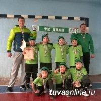 Нападающие футбольного клуба «Улан» (Тува) признаны лучшими на турнире в Черногорске во всех возрастных категориях!