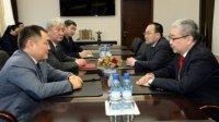 Глава Тувы встретился с Чрезвычайным и Полномочным послом Монголии в РФ г-ном Лувсандандарыном Хангаем