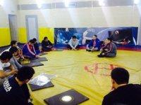 Глава Тувы в ходе вечерней тренировки обсудил перспективы спортсменов-вольников