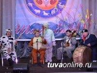 Депутаты Хурала представителей Кызыла организовали утренник для туры детей с ограниченными возможностями
