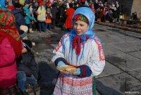 Масленица в Туве: «Покорение» столба, перетягивание каната, метание валенка, фестиваль квашеной капусты, блинный пир…