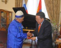 Президент Монголии вручил Чимит-Доржу Ондару медаль «Найрамдал» (Дружба)