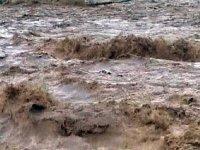Селевый поток перекрыл одну из двух автодорог, связывающих Туву с Россией