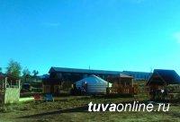 """На соленом озере Дус-Холь (Тува) открывается кемпинг-база """"Центр Азии"""""""