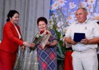В Туве образцовым семьям вручили медали «За любовь и верность»