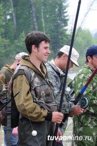 В Чеди-Хольском районе Тувы прошел очередной республиканский конкурс рыбаков