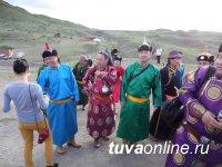 В Туве до сих пор сохраняется традиционный хоомей, появившийся в культуре народа испокон веков