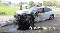 В Кызыле на оживленном перекрестке произошло столкновение двух автомашин