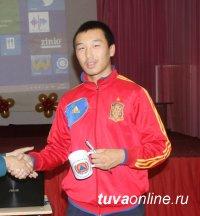 Спасатели провели практические занятия по ГО в школе-интернате Кызыла