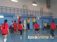 В Кызыле прошел турнир по волейболу на кубок «Единой России»