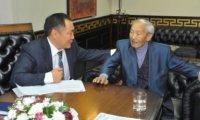 Народный писатель Тувы Александр Даржай предложил объявить 7-е октября Днем тувинского языка