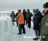 В Кызыле сегодня мастер-класс проведет 11-кратный чемпион мира по ледовым скульптурам Александр Зайцев (Красноярск)