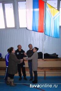 В Туве прошел чемпионат по рукопашному бою памяти генерал-майора милиции Сергея Монгуша