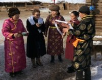 Министр образования и науки Тувы посетила Барун-Хемчикский район