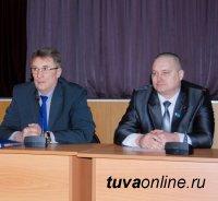 vk.com/kyzyltransport: Обрати внимание на вежливого кондуктора и профессионального водителя маршрутки