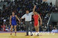 Кежик Чымба завоевал золото на турнире по вольной борьбе в Якутске