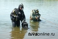Водолазы нашли тело утонувшего в реке М.Енисей