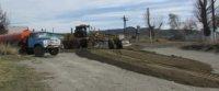 В селе Суг-Аксы обновляется центральная автодорога