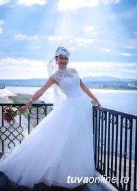 Айгуля Самбуга представит Туву на всероссийском Фестивале Невест