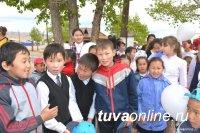 Премьер Шолбан Кара-оол поздравил жителей республики с Днем защиты детей