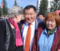 Шолбан Кара-оол поздравил земляков и гостей Тувы с Днем России