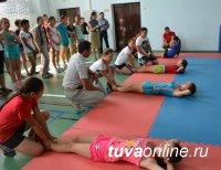 В первую группу девочек-кадет Кызылского президентского кадетского училища подано 220 заявлений