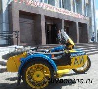 Сотрудников ГИБДД Кызыла пригласили подключиться к обустройству во дворах многоквартирных домов зон для проезда и стоянок автомашин, отделенных от игровых детских площадок