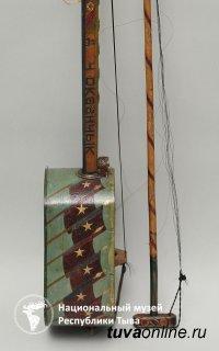 В Национальном музее Тувы открылась выставка репрессированного в 40-х мастера резьбы по дереву Донгака Окаанчыка