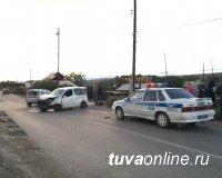 В Кызыле произошло столкновение автомашин. От травм трехлетнего ребенка уберегло автокресло