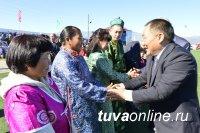 В Улуг-Хемском районе Тувы чествовали чабанов, учителей и старейшин